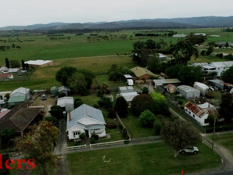 52 COMMERCIAL ROAD, Yarram, Vic 3971