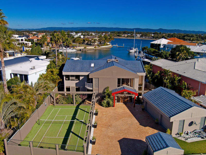 19 Brittanic Crescent, Sovereign Islands, Qld 4216