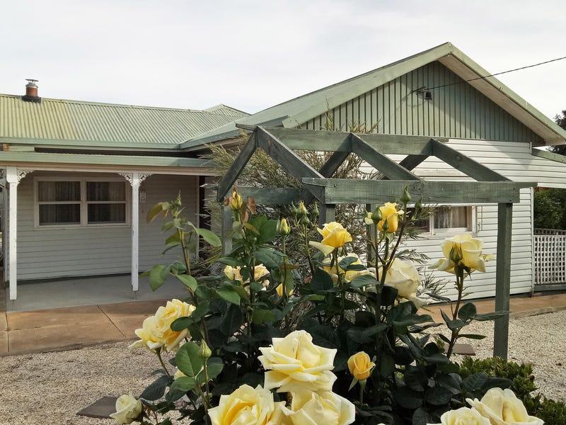12 Frome Street, Mathoura, NSW 2710