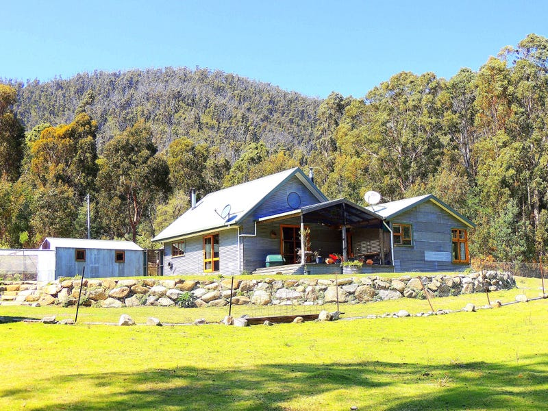 326 Davis Gully Road, Four Mile Creek, Tas 7215