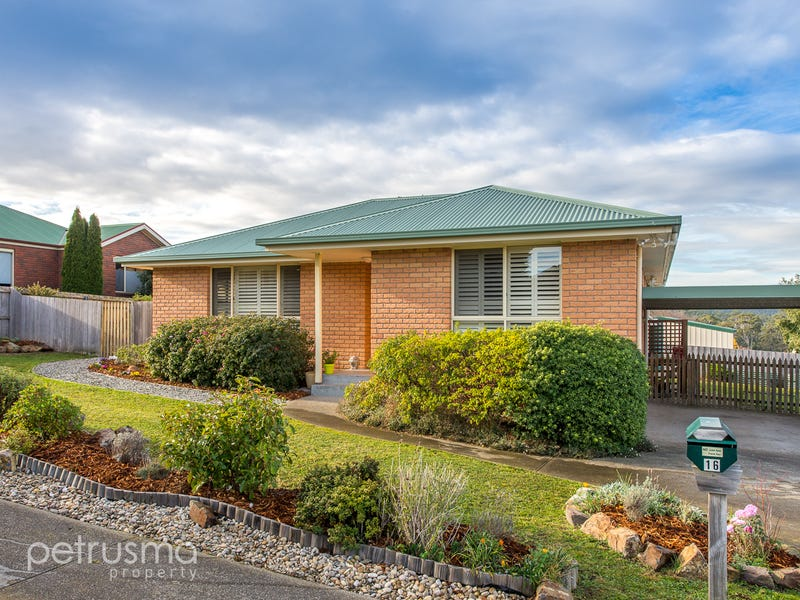 16 Corsair Place, Huntingfield, Tas 7055
