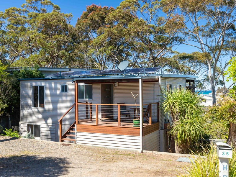 35 Forest Parade, Tomakin, NSW 2537