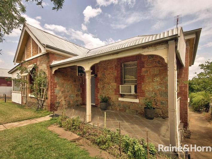 24 Smith Street, Cowra, NSW 2794