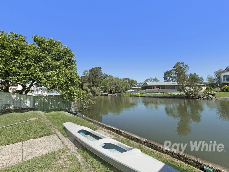 19 Brougham Ave, Fennell Bay, NSW 2283