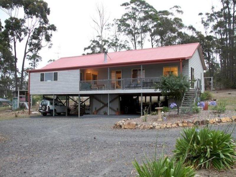 35 Emerald Crescent, Wallagoot, NSW 2550