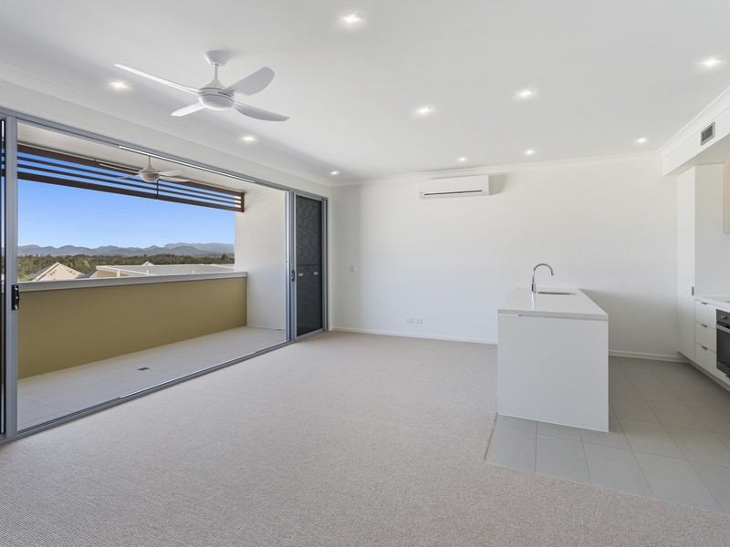 59/1 The Grand Terrace, Emerald Lakes, Carrara, Qld 4211