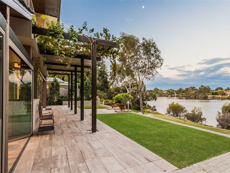2 Brentwood Avenue, Brentwood