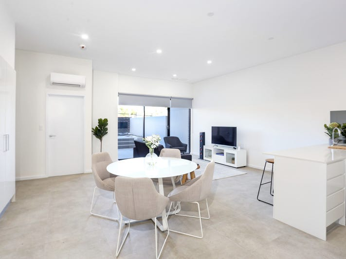 318/2 Pendle Way, Pendle Hill, NSW 2145