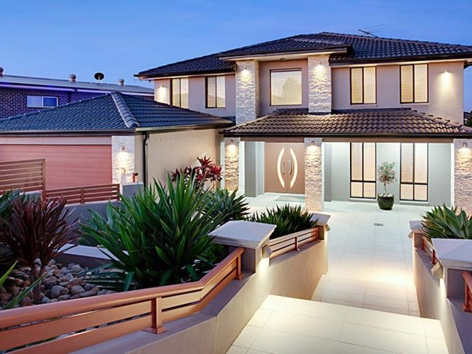 110 Greenway Drive, West Hoxton, NSW 2171