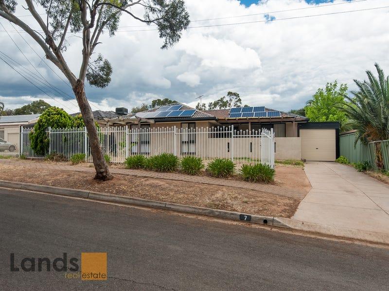 7 Campbell Drive, Para Hills, SA 5096