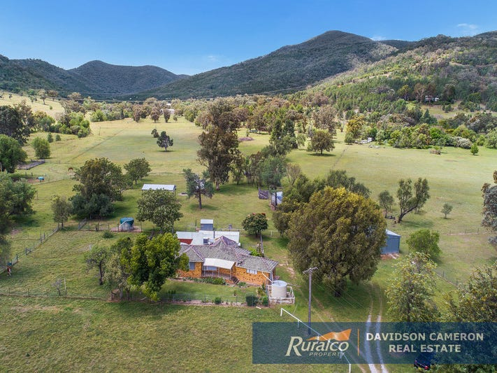 1067 Upper Moore Creek Road, Tamworth, NSW 2340