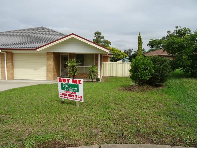 2/17 Askin Place, Scone, NSW 2337