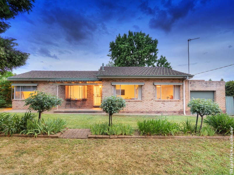 7 White Avenue, Kooringal, NSW 2650