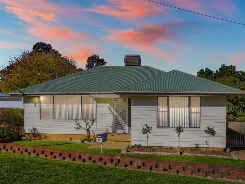 10 Lansdowne Street, Young, NSW 2594