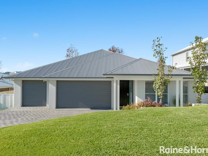 15 Parker Crescent, Berry, NSW 2535