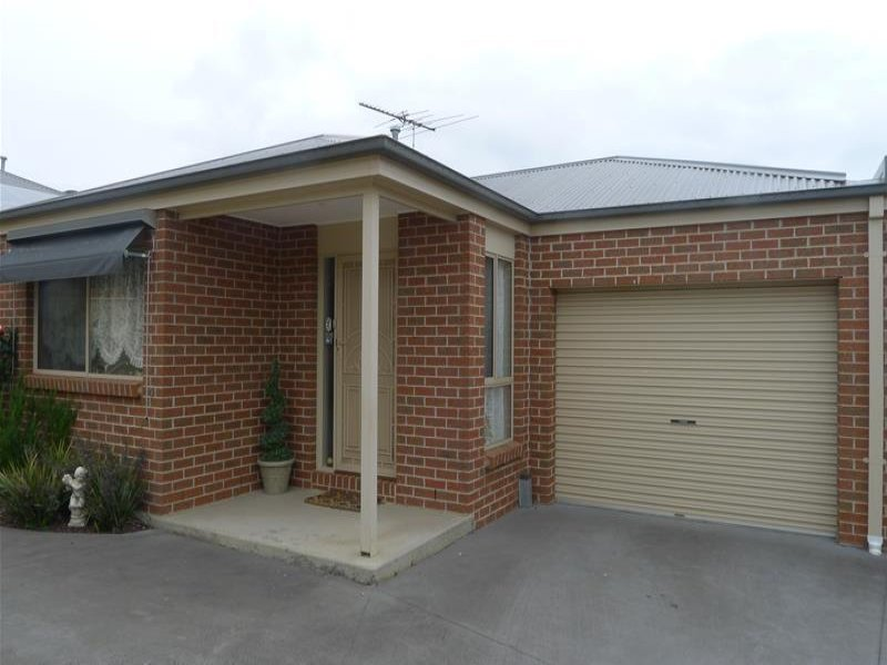 Unit 2/27 Roch Court, Ballan, Vic 3342
