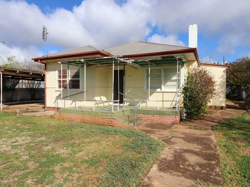 112 Camp Street, Temora, NSW 2666
