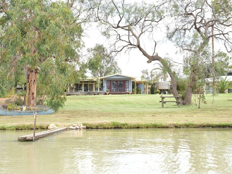 4 Lakeside Court, Cullulleraine, Vic 3496
