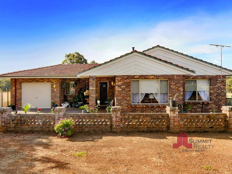 202 Booth Street, Collie, WA 6225