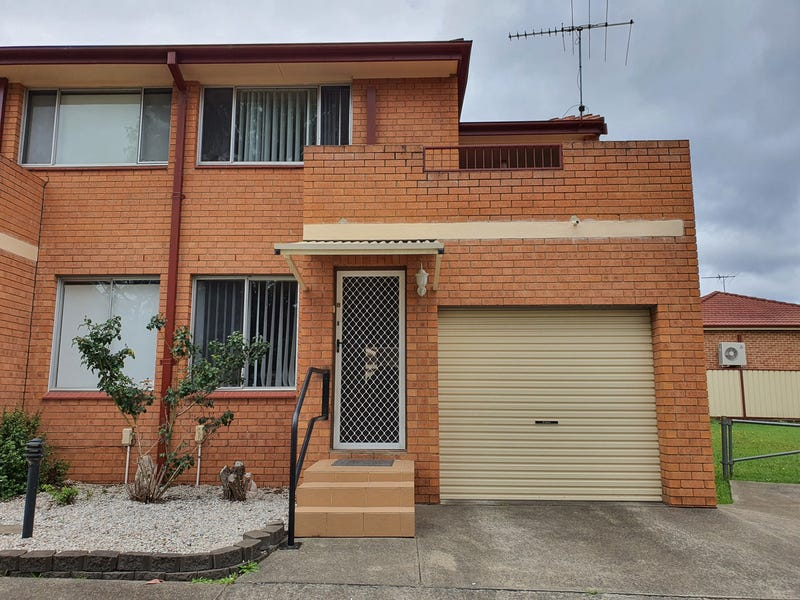8/14 Bunbury Road, Macquarie Fields, NSW 2564