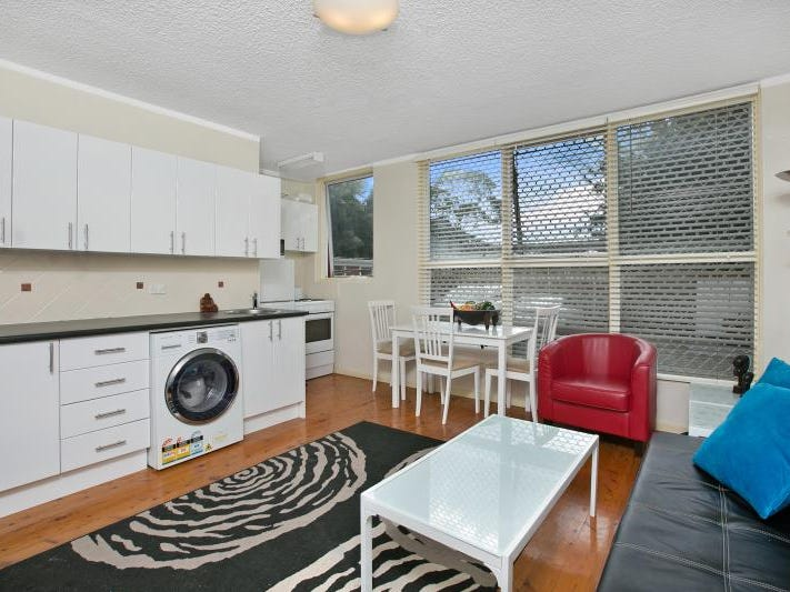 4/11 Grafton Crescent, Dee Why