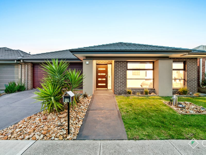 17 Forest Drive, Clyde North, Vic 3978