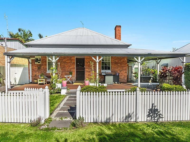 16 Taloumbi Street, Maclean, NSW 2463
