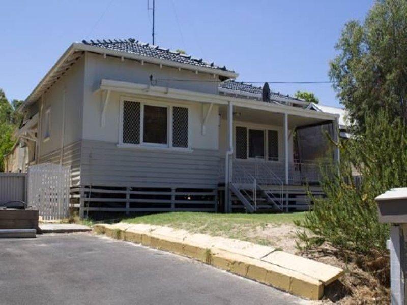 8 McDowell Street, Yarloop, WA 6218