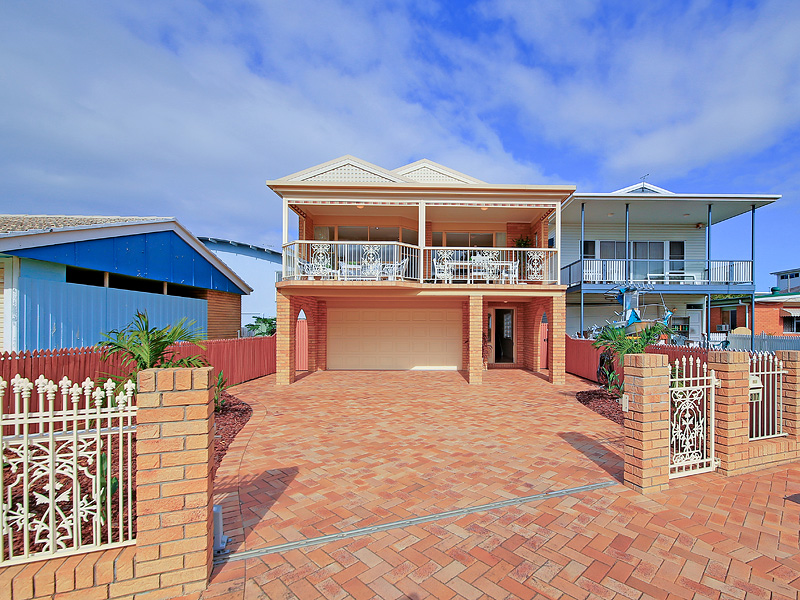 317 Upper Esplanade, Manly, Qld 4179