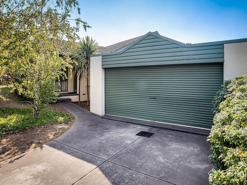 25 Thaxted Parade, Wantirna, Vic 3152