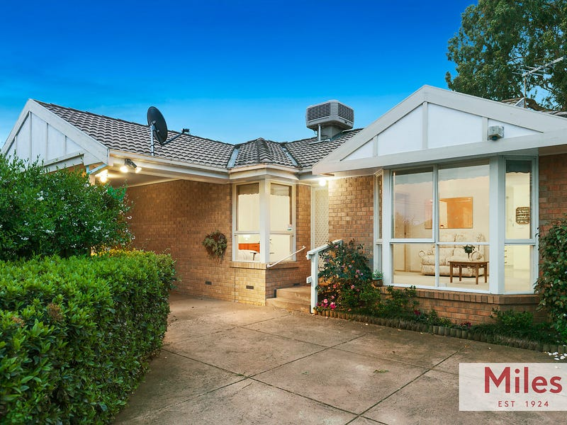 2/4 Vermont Parade, Greensborough, Vic 3088