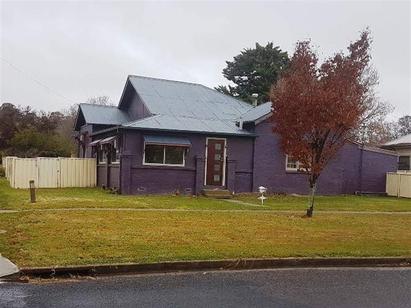 72E Apsley Street, Walcha, NSW 2354