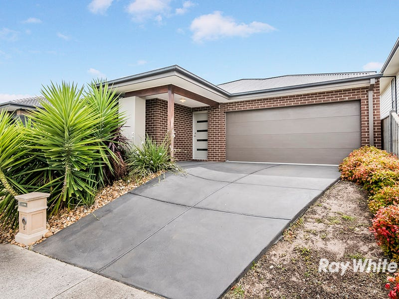 5 Maeve Circuit, Clyde North, Vic 3978
