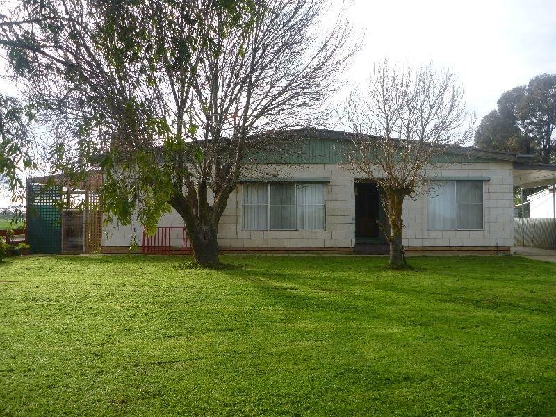 14 Madden Street, Nhill, Vic 3418