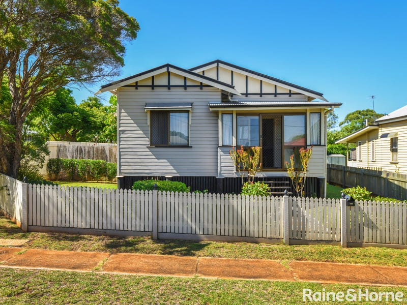 190 Perth Street, South Toowoomba, Qld 4350