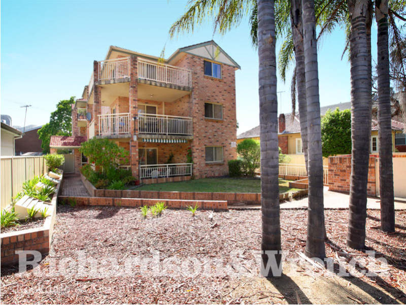 4/26-28 Hampden Street, Beverly Hills, NSW 2209