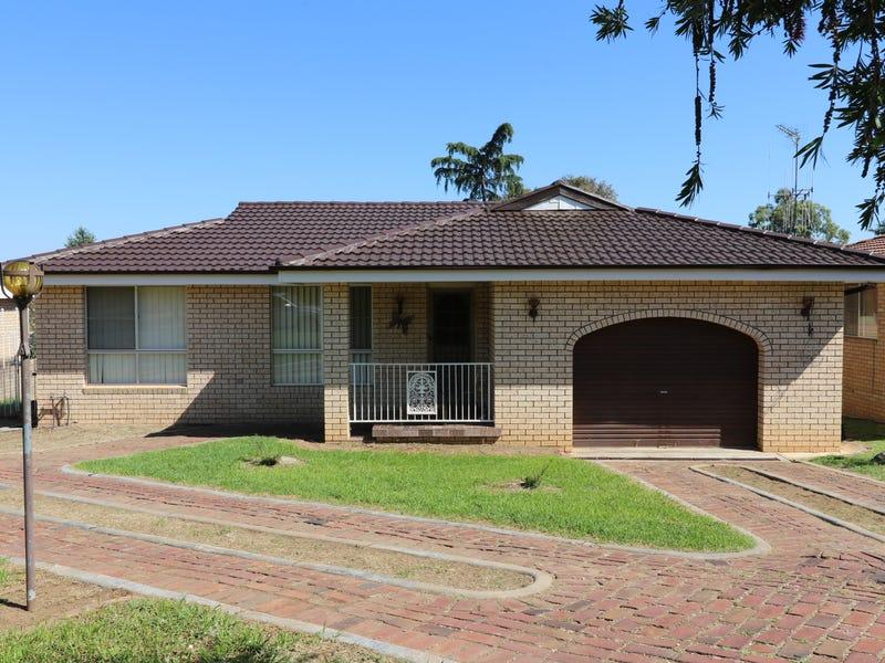 42 Kibbler Street, Cowra, NSW 2794