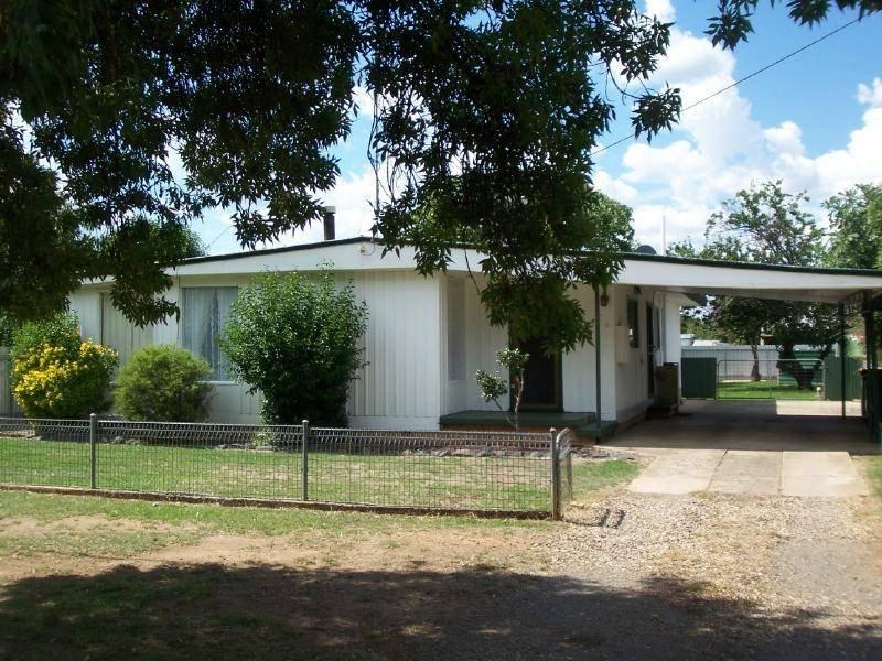 2 Hume Street, Cootamundra, NSW 2590