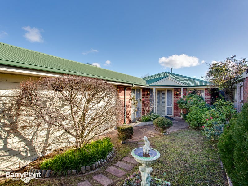 140 Third Avenue, Rosebud, Vic 3939