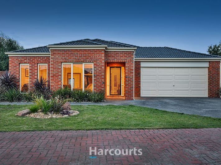 14 St Mellion Court, Cranbourne, Vic 3977