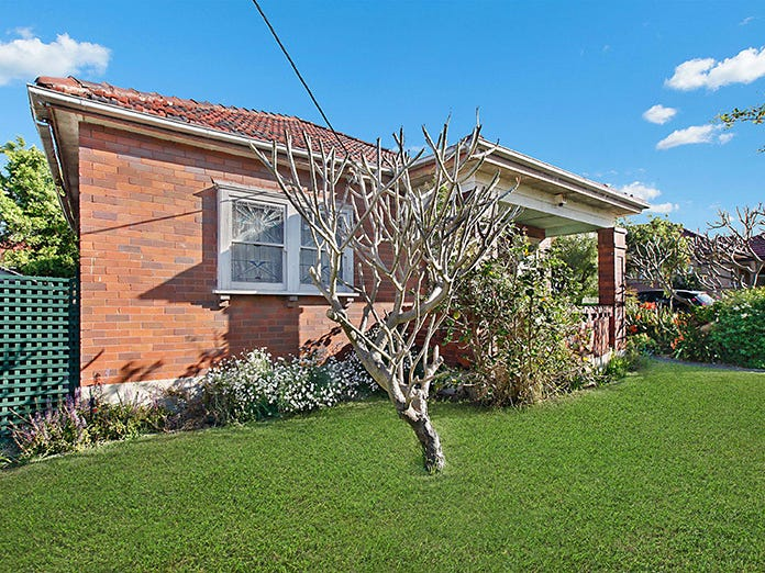 15 First Avenue, Rodd Point, NSW 2046