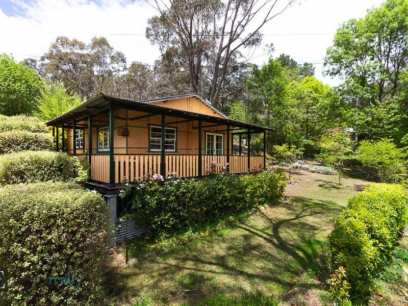 6 Lewis Street, Captains Flat, NSW 2623