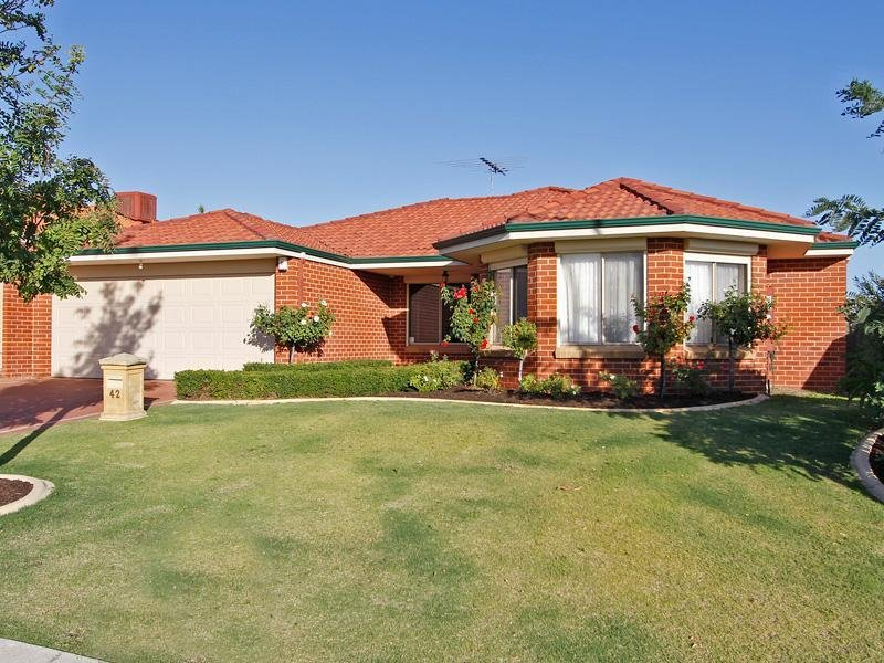 42 Innesvale Way, Carramar, WA 6031