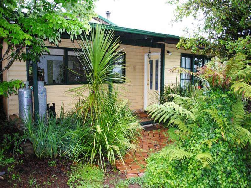 12 Parkes Street, Dorrigo, NSW 2453