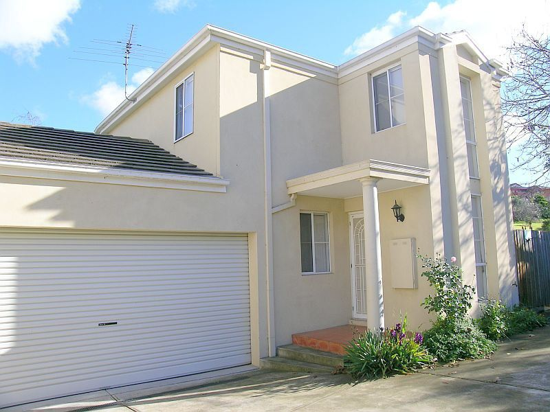 4/8 Weyburn Place, Avondale Heights, Vic 3034