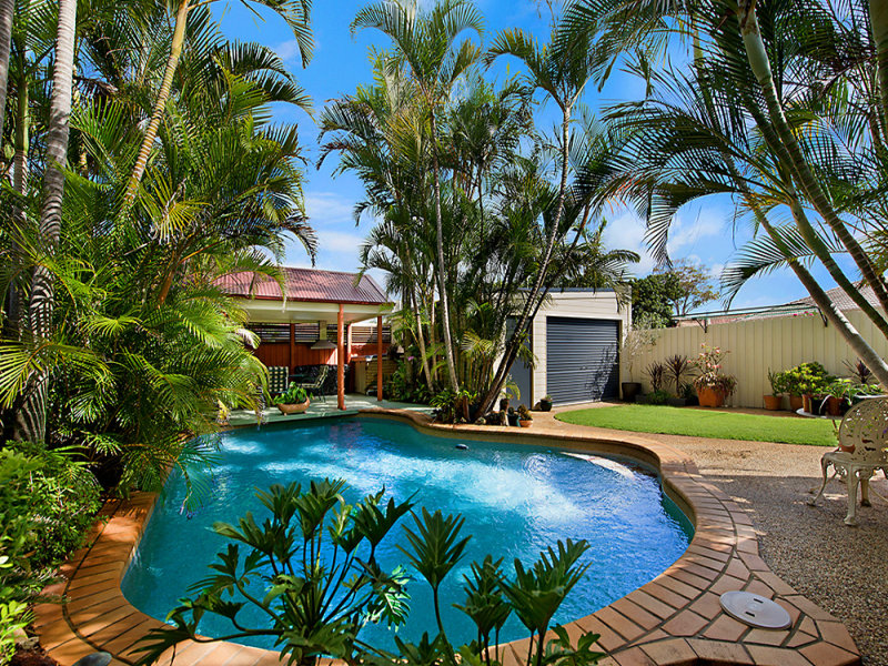 150 Paradise Parade, Paradise Point, Qld 4216