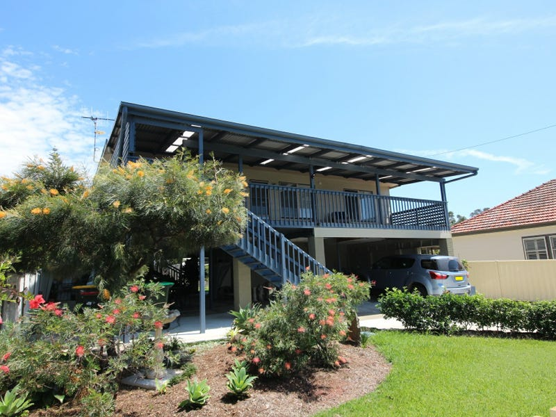 8 Anniversary Drive, Diamond Beach, NSW 2430