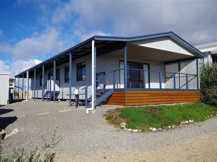 8 Scenic Drive, Point Turton