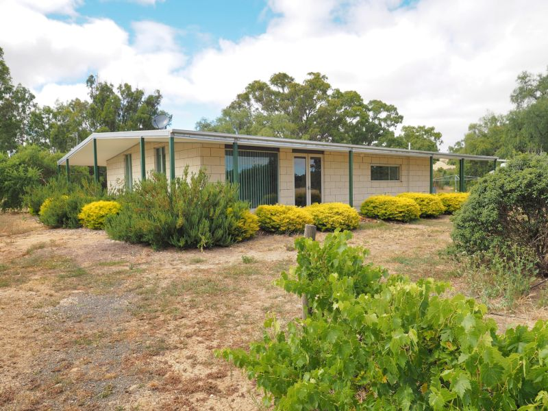 2441 Ararat-St Arnaud Road, Landsborough, Vic 3384