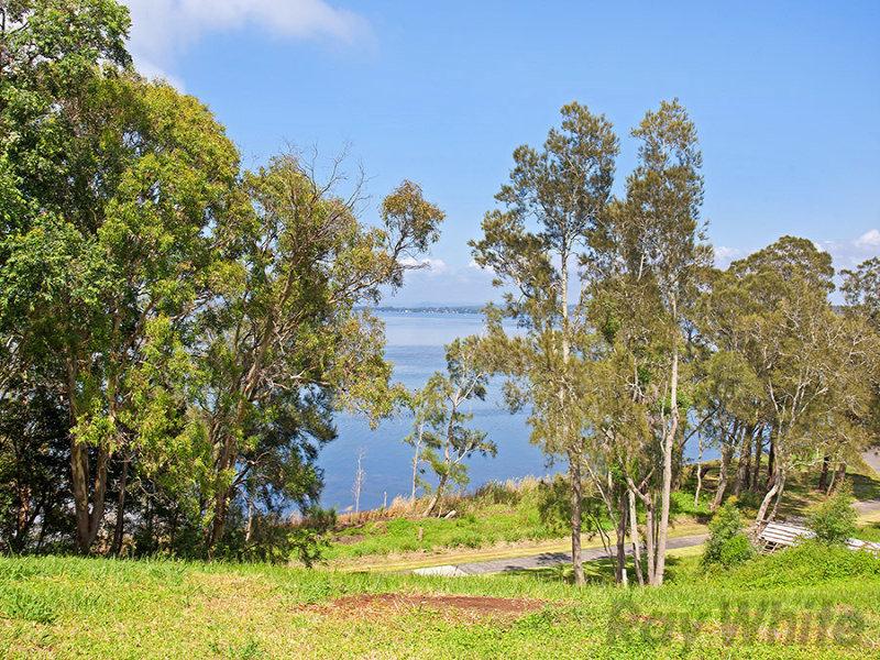 74 Diamond Head Drive, Budgewoi, NSW 2262